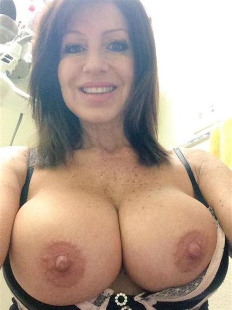 Sexy cougar selfies
